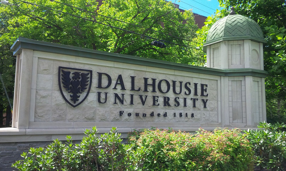 دانشگاه دالهاوزی