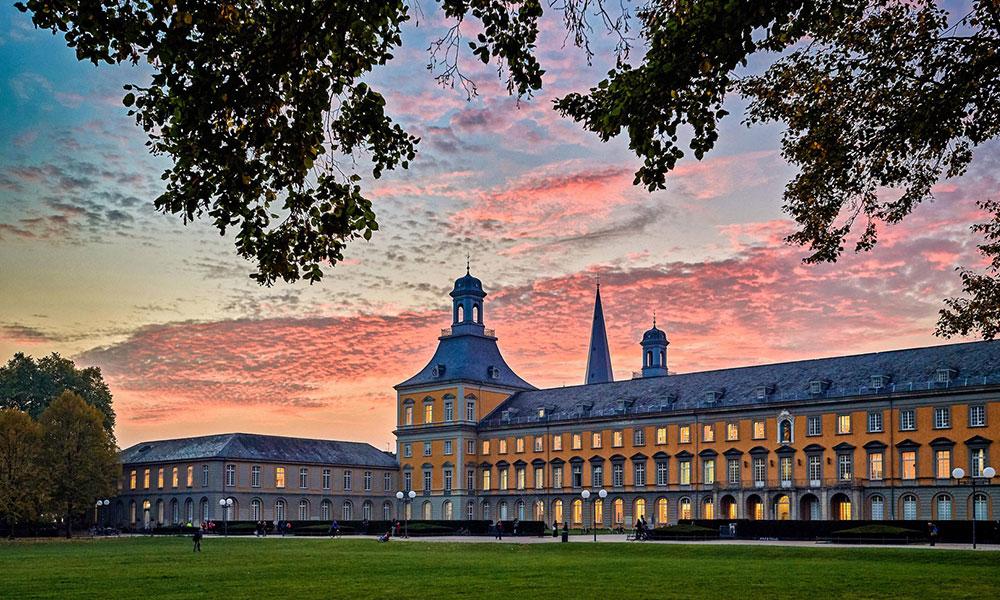 img_university